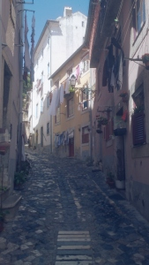 pittoreske straatjes Alfama Lissabon